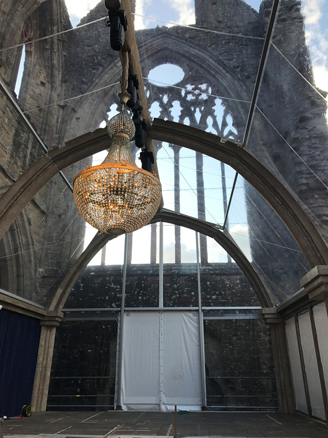 Empire Chandelier Wow Setting 2.2m by 1.2m